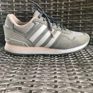 Adidas US size: 7.5